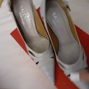 Valentino shoes/pumps